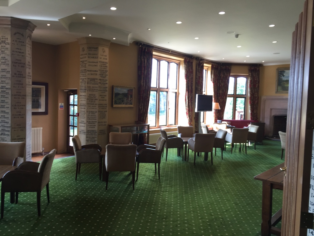 One of the rooms inside the clubhouse, very traditional English style