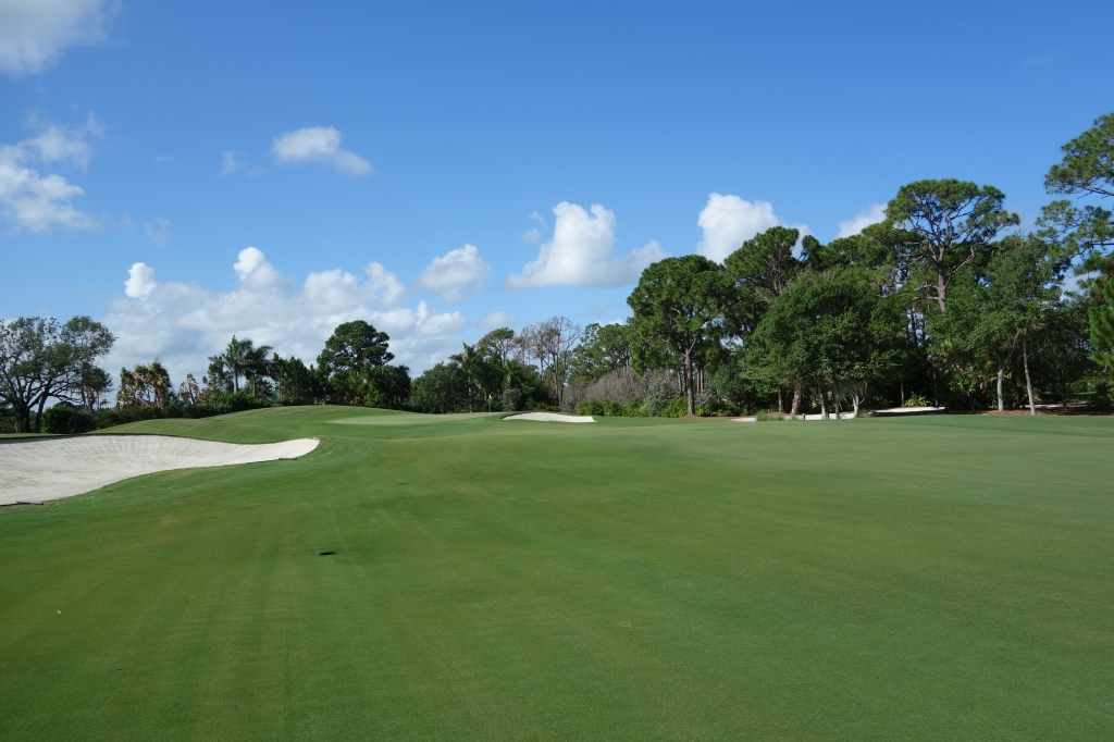 Approach to 1st hole