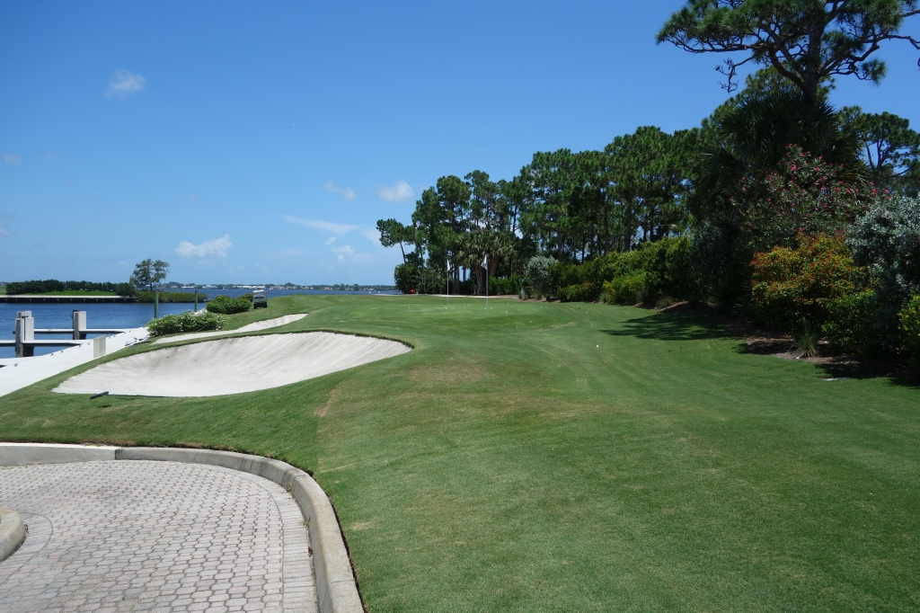 19th hole that you can play from outside the clubhouse