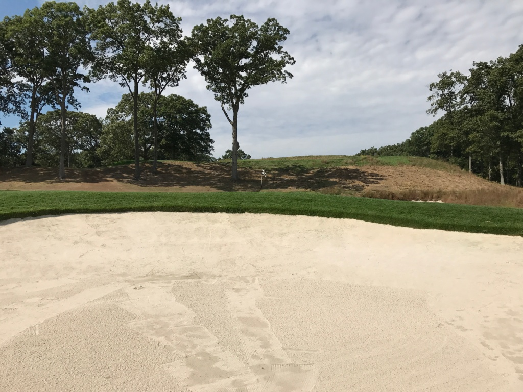 17th bunker shot