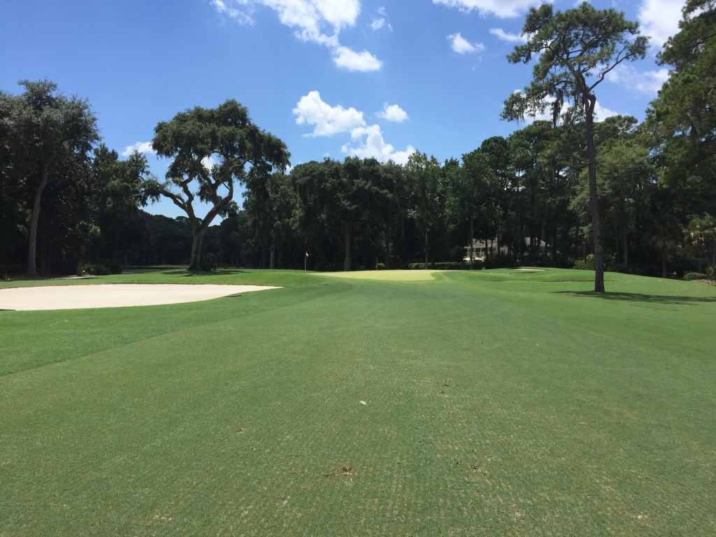 approach to 3rd hole